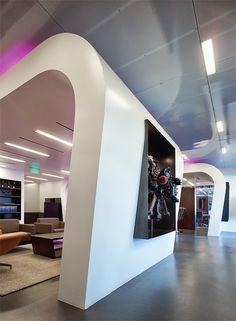 Hip en trendy: de werkplekken van Intermedia http://www.kantoorruimtevinden.nl/blog/hip-en-trendy-de-werkplekken-van-intermedia/
