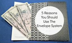 Retailers have a plan to get you to spend. You need a plan, too. Check out these 5 Reasons you should use the envelope system! Money Envelope System, Money Envelopes, Deal Sites, Financial Peace, Managing Your Money, Retirement Planning, No Me Importa, Money Management, Money Saving Tips