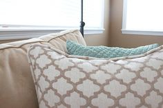 Tutorial on sewing a pillow with piping.  Maybe I could use to recover dining chairs?