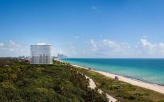 In a working-class neighborhood in Miami Beach, on a desolate stretch of Collins Avenue just shy of Surfside, Italian architect Renzo Piano is designing a luxury condo tower, one of just two residential projects the Pritzker Prize-winner has worked on in the U.S.