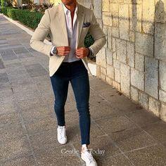 Buy stylish men`s accessories online Blazer Outfits Men, Mens Fashion Blazer, Mens Fashion Blog, Casual Outfits, Outfits Hombre, Fashion Sale, Fashion Outlet, Paris Fashion, Fashion Fashion