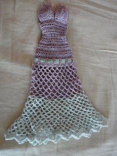 Teia de Carinhos: Novos Vestidos para Bonecas