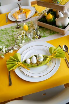 Easter - Collection Surprise your children with cute figures on your Easter table . - Easter – Collection Surprise your children with cute figures on your Easter table …. Easter Table Settings, Easter Table Decorations, Easter Dinner, Easter Brunch, Deco Restaurant, Easter Celebration, Deco Table, Easter Recipes, Easter Crafts