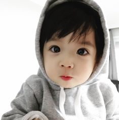 Cute Asian Babies, Cute Twins, Korean Babies, Asian Kids, Cute Baby Boy, Cute Little Baby, Little Babies, Cute Babies, Baby Kids