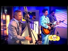Awe....♥ Elvis and Chris Isaak♥.... Chris Isaak - Can't Help Falling In Love (Morning Show 12-10-2011)