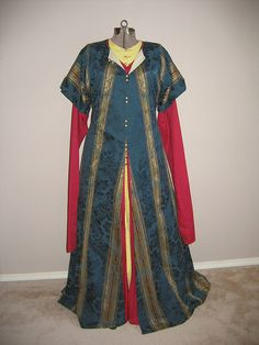 Persian outfit - Love the colours