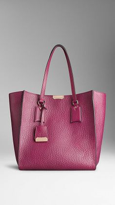 Medium Signature Grain Leather Tote Bag | Burberry
