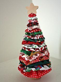 Árvore de Natal com fuxico