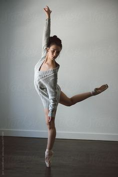 Studio portrait of female dancer by Jen Grantham on 500px