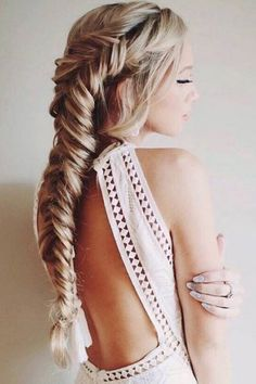 Vintage Bun Hairstyles,shag hairstyles for older women ideas.Updos Hairstyle For Work,wedding hairstyles chignon,fringe hairstyles african american and teen hairstyles ideas. Wedding Hairstyles For Long Hair, Unique Hairstyles, Pretty Hairstyles, Hairstyle Ideas, Hair Wedding, Messy Hairstyles, Hairstyles 2018, Bridal Hair, Updo Hairstyle
