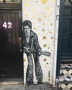 DB street art in brighton - 3d Art, Lovers Art, Wall Art, David Bowie Fan Art, Art, Graffiti Art, Outdoor Art, Fan Art, Street Art