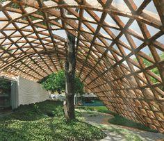 Spinal Injury Rehabilitation Center (Paraguay) - Gabinete de Arquitectura -- canopy of reclaimed brick Architecture Plan, Contemporary Architecture, Landscape Architecture, Interior Architecture, Landscape Design, Solano Benitez, Pergola, Built Environment, Planks