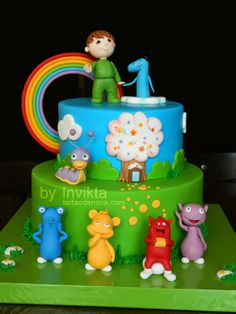 Charlie ad the numbers cake with the cuddlies and tulli! 1st birthday cake