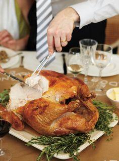 Ricardo& recipe : Roasted Turkey with Spiced Butter Spiced Butter Recipe, Turkey Sauce, Ricardo Recipe, Xmas Food, Roasted Turkey, Roasted Meat, Cooking Turkey, Vegetable Sides, Recipes