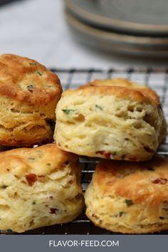 Homemade Biscuits Recipe, Biscuit Recipe, Buttermilk Recipes, Buttermilk Biscuits, Tasty Bread Recipe, Bread Recipes, Easy Recipes, Healthy Recipes, Brunch Recipes