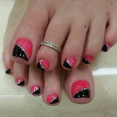 Pink and Black Toe Nail Art Designs with Glitter