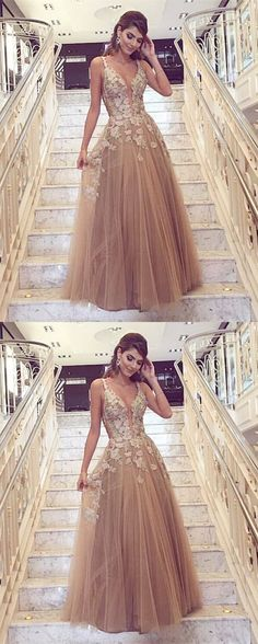 champagne deep v-neck prom party dresses, chic fashion gowns with appliques, elegant evening dresses for formal party.