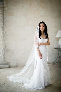 Gorgeous veil and wedding dress Keywords: #weddinggowns #jevel #jevelweddingplanning Follow Us: www.jevelweddingplanning.com www.pinterest.com/jevelwedding/ www.facebook.com/jevelweddingplanning/