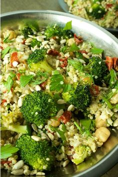 Quick and easy high protein vegan salad made with quinoa, broccoli, chickpeas, sunflowers seeds, sun-dried tomatoes and fresh dill and parley. This healthy recipe will fill you up and keep you energized. Great for lunch dinner or as a side dish. Vegetarian, dairy free, gluten free and so tasty! #veganprogram