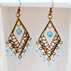 #DIY Antique Brass Dangle Earrings- It'll only take you 30 minutes!