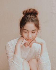 Julia Barretto (born 10 March is a Filipino actress. Filipina Actress, Filipina Girls, Julia Baretto, Cute Love Memes, Posing Guide, Woman Crush, Girl Crushes, Pretty Woman, Photography Poses