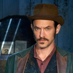 Adam Rothenberg as the strangely sexy Captain Jackson in Ripper Street