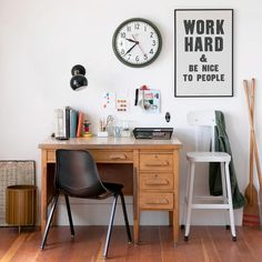 Top 8 Everyday Objects for Inspired Homes Home Office Design, Home Office Decor, Office Desk, Home Decor, Work Desk, Tiny Office, Office Decorations, Office Inspo, Office Setup