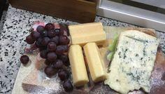Como fazer uma Noite de queijos e vinho