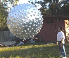This is made by Space Data Corp. Used for launching weather experiments and more. Weather Experiments, Weather Balloon, Experimental Aircraft, Extra Terrestrial, Flying Saucer, Natural Phenomena, Drones, Futuristic, Balloons