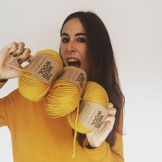Blog sobre trapillo, DIY, tejer, crochet, ganchillo, tutoriales y mucho más Santa, Wool, Instagram, Diy, Yarns, Tejidos, Trapillo, Making Pom Poms, Tutorials