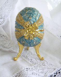 Egg music box
