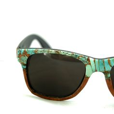 b7ab2ae48ab12 Turquoise and Sapele wood veneer classic sunglasses by Tumbleweeds  Handcraft I would totally wear these Óculos. Óculos De Sol De Madeira Armações ...