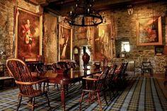 A good look at the banquet table at Eillean Donan