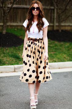 La largura de falda es dificil, y el estampado mucho más, sin embargo el resultado es genial!  Y ese pelo... lo quiero!