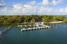 10 CANNON POINT, KEY LARGO, FL - Luxury Pulse Real Estate - United States - For sale on LuxuryPulse. Florida Keys, Fort Lauderdale, South Beach, Key Largo Fl, Miami, Exterior, Gated Community, Luxury Real Estate, Hotels And Resorts