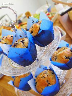 Parhaat mustikkamuffinssit ihan valehtelematta. Tällä ohjeella sinunkin muffinsseista tulee kuohkeita, meheviä ja isoja! Ohje on helppo!