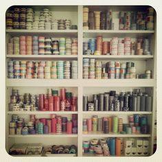 Rangement Masking Tape Masking Tape, Washi Tape, Tapas, Bookcase, Craft, Addiction, Diy, Home Decor, Duct Tape