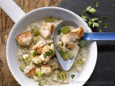 Schmorhähnchen in cremiger Gurken-Senf-Sauce - smarter - Kalorien: 433 Kcal   Zeit: 35 min.