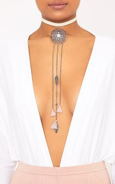 Beige Dream Catcher ChokerDreams do come true...and most definitely with this insanely cute dream...