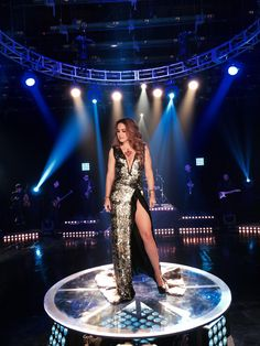 Lucero en su video musical - Estilista Irma Martinez