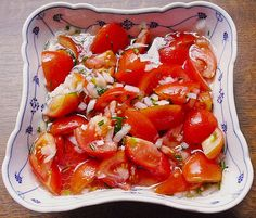 For all salad lovers: You will love this Easy German Tomato Salad! It's an authentic German recipe. The best with organic tomatoes.