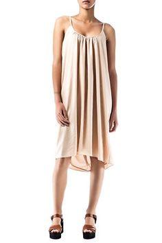Vestido color Nude de AMERICAN VINTAGE, de tirantes, fruncido en el escote delantero y espalda sin forma.   AQUÍ: http://www.miinto.es/p-10089-vestido-nude