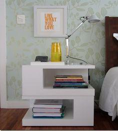 Modelo de criado-mudo Dream Home Design, House Design, Interior Exterior, Interior Design, Wooden Console Table, Bedside Storage, Floating Nightstand, Bedroom Decor, Bedroom Ideas