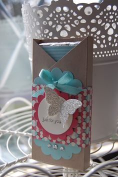 Stampin'spiration: All Day Class Stamping Up bitty butterfly punch (Chocolate Regalo Christmas) Craft Gifts, Diy Gifts, Candy Crafts, Craft Show Ideas, Paper Gifts, Stamping Up, Little Gifts, Small Gifts, Craft Fairs