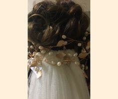 En oro o plata, las tiaras moldeables con hojas de #innovias son un must have Drop Earrings, Jewelry, Fashion, Head Bands, Bridal Headpieces, Bridal Gowns, Bridal, Leaves, Silver
