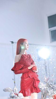Gfriend Album, Sinb Gfriend, South Korean Girls, Korean Girl Groups, Cloud Dancer, Apple Wallpaper, Wallpaper Lockscreen, Phone Wallpapers, G Friend