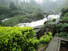 A closer view of the Munnar waterfall