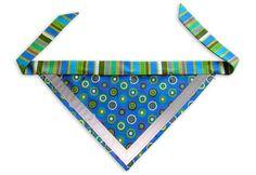 To Make Dog Bandana Pattern Dog Crafts, Animal Crafts, Schnauzers, Cat Bow Tie, Bow Ties, Dog Clothes Patterns, Sewing Patterns, Diy Sewing Projects, Yarn Projects