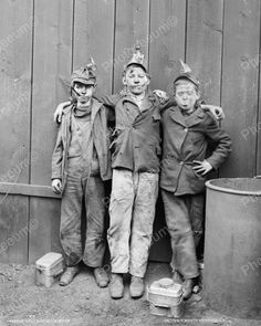 """CHILD LABOR and Coal Region culture: Kingston, Pennsylvania, circa Coal mine kids. If a bird was not available, a small boy could be used as a """"canary"""" to smell for dangerous gas fumes - and people wonder why we need employment laws. Vintage Pictures, Old Pictures, Vintage Images, Old Photos, Shorpy Historical Photos, Historical Pictures, Coal Miners, Blooms Taxonomy, Interesting History"""