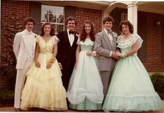 Teens In The Totally Did It First. You're Welcome - Shared Vintage Prom, Prom Photos, Prom Pictures, Vintage Outfits, Vintage Dresses, 1980s Prom, Prom Tuxedo, Formal Prom, Formal Dance